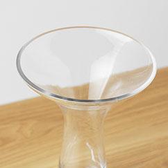 ガラスのフラワーベース ホルン