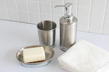 ステンレスの洗面道具