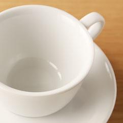 白いカップ&ソーサー